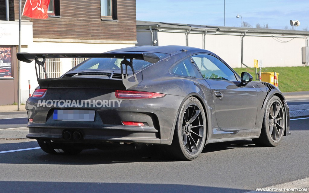 2018 Porsche 911 GT3 RS spy shots and video