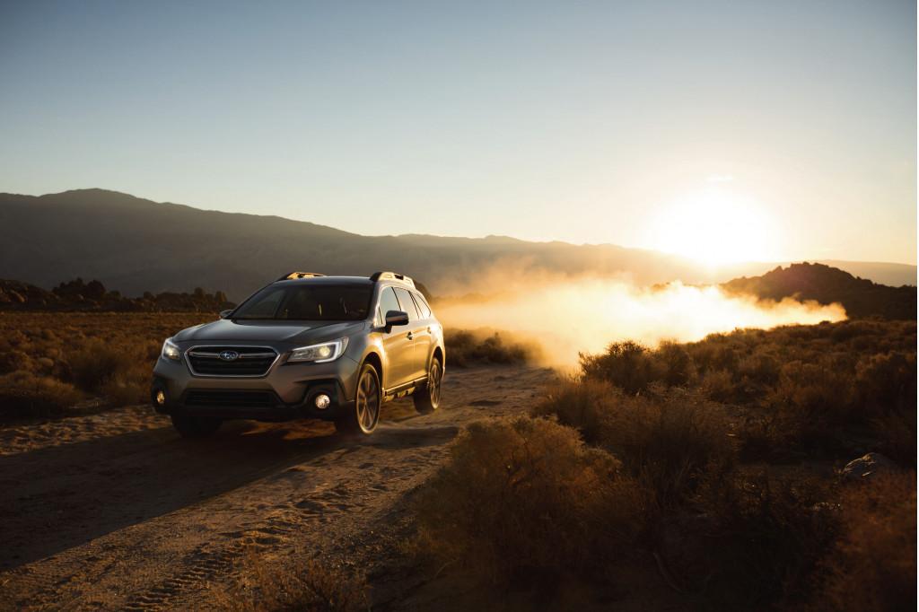 2018 Subaru Outback vs. 2018 Buick Regal TourX: Compare Cars