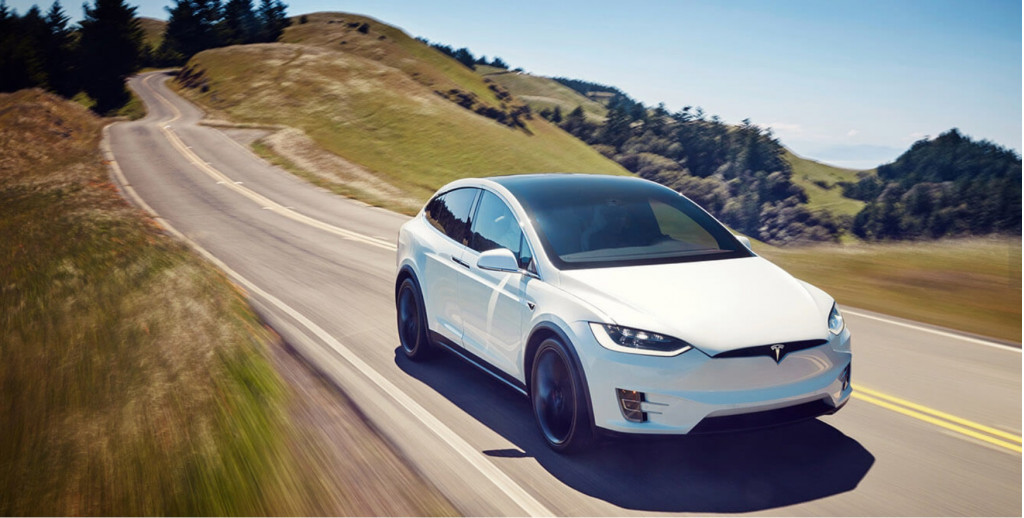 Tesla Model X using Autopilot self-driving tech sped up