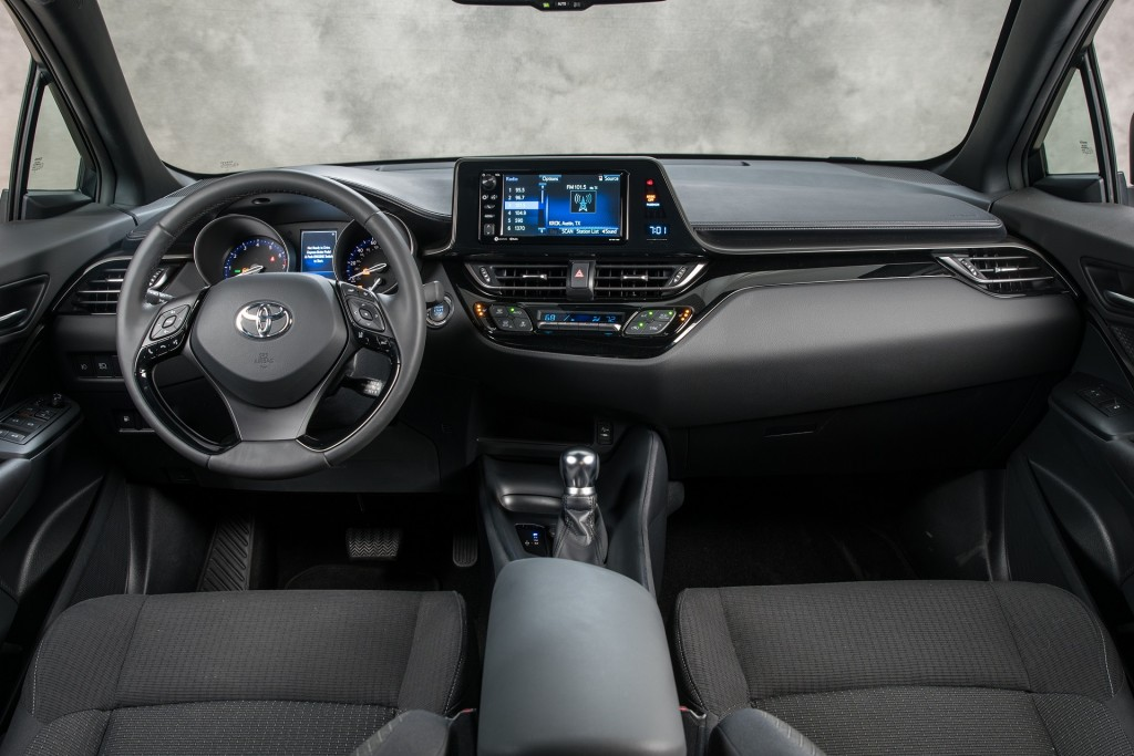 Toyota owners to get Linux system instead of Apple CarPlay ...
