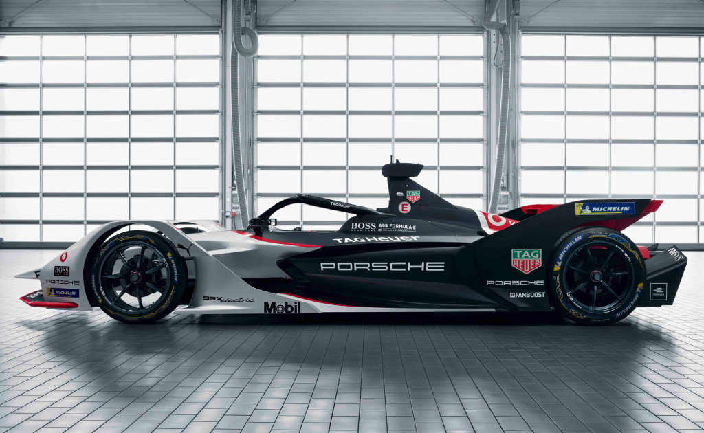 RAV4 plug-in hybrid, Tesla insurance, Nio battery swapping: Today's Car News
