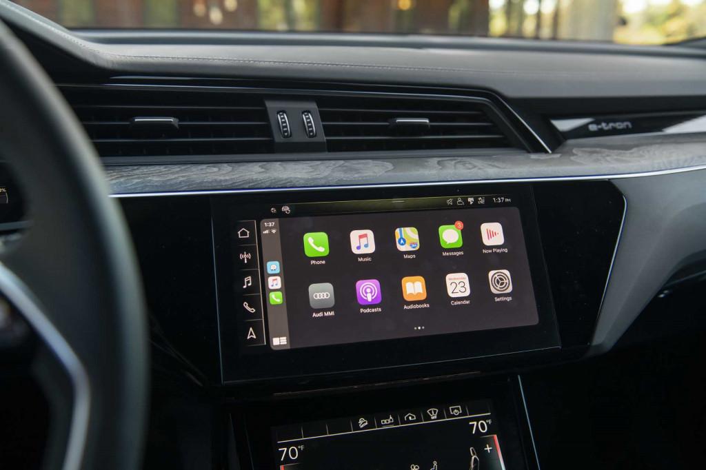 2019 Audi E-Tron Apple CarPlay
