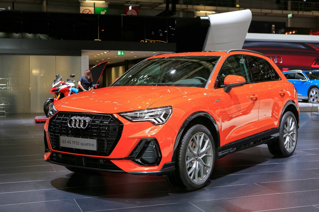 Audi Q Bows With Sporty Look Hightech Cabin - Audi q3 hybrid