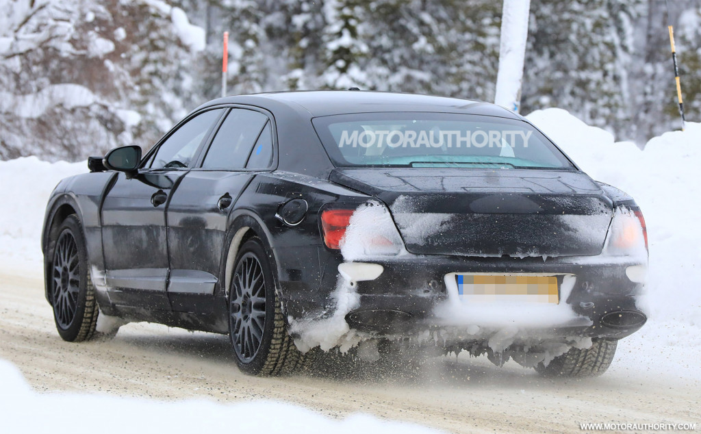2020 Bentley Flying Spur spy shots and video