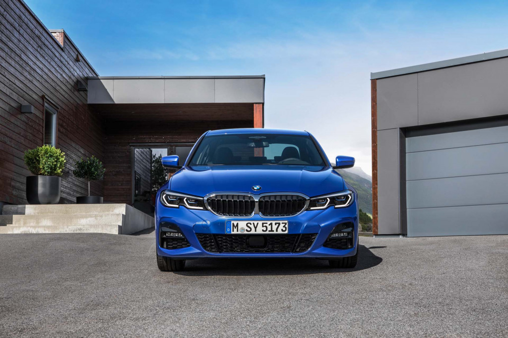 2019 BMW 3-Series revealed in Paris with updated tech, engines–no manual