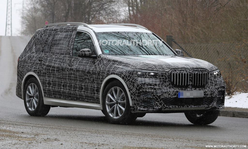 2019 BMW X7 spy shots and video