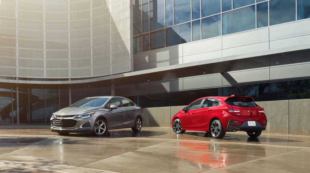 2019 Chevrolet Cruze and Cruze hatchback