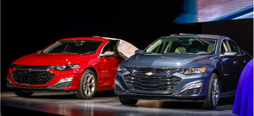 Chevy's new face, Riding in a Subaru rally car, Smart goes ...