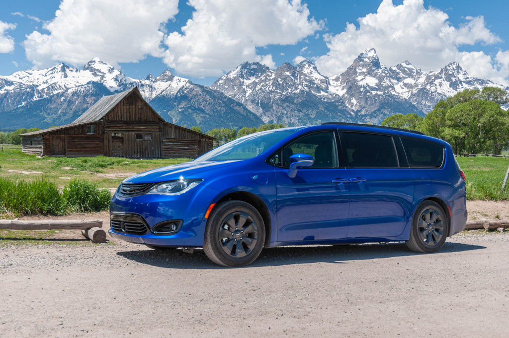 2019 Chrysler Pacifica Hybrid gas mileage review: The ideal family hauler