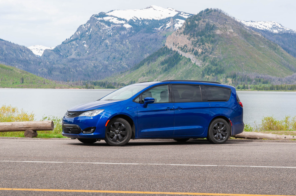2019 Chrysler Pacifica Hybrid Gas Mileage Review The Ideal