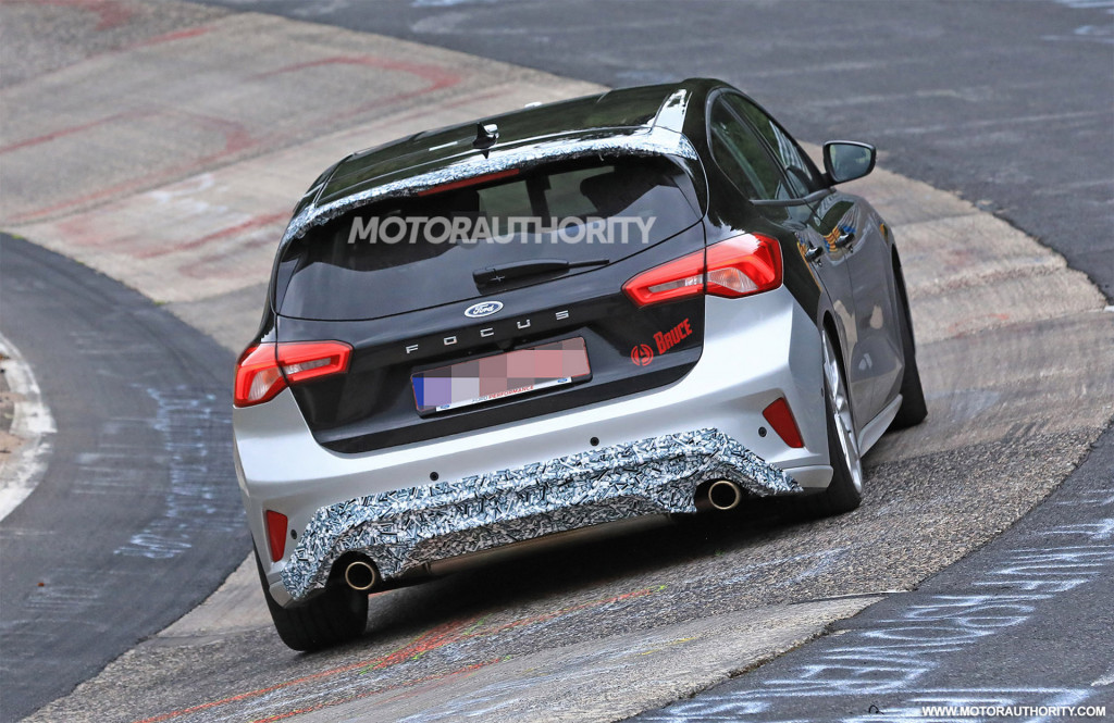 2019 Ford Focus ST spy shots