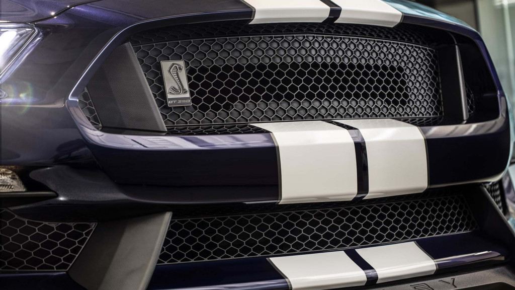 2019 Ford Mustang Shelby GT350 thunders in with upgraded aero, tires, brakes