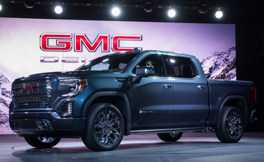 2019 Gmc Sierra First Look New Truck Pushes Past Silverado With Carbon Fiber Bed Transforming Tailgate