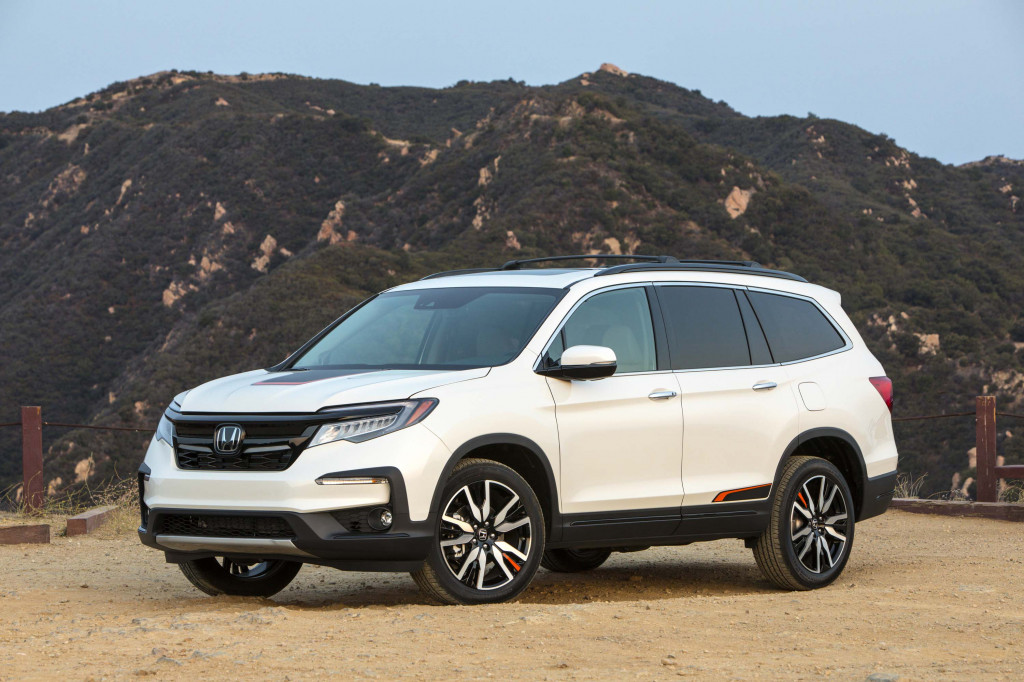 Honda Pilot recall, Millennials and classic cars, 2019 Toyota Prius e-AWD driven: What's New @ The Car Connection
