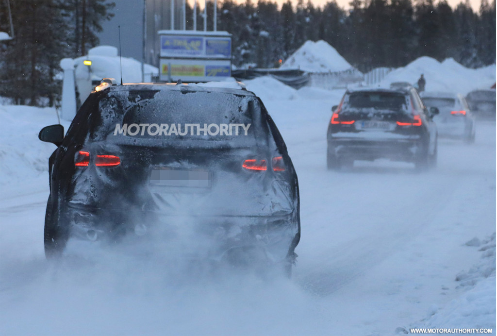 2019 Hyundai Santa Fe spy shots and video