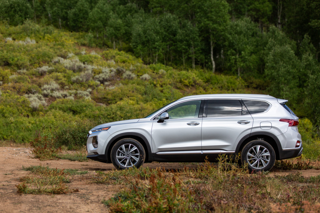 2019 Hyundai Santa Fe vs. 2019 Honda Passport: Compare Cars
