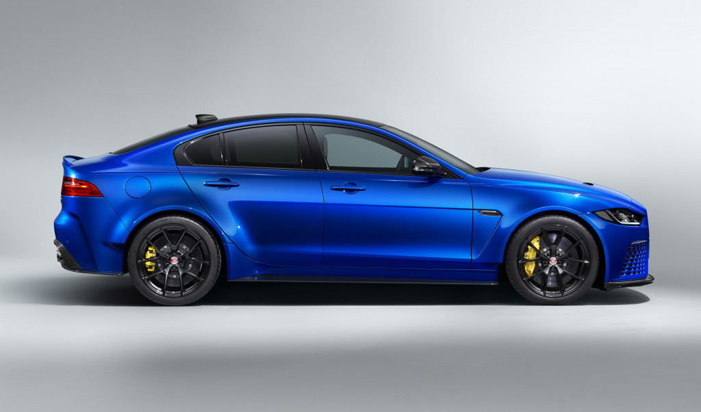 D-Day Jeeps, Jaguar XE SV Project 8 Touring, Old Crow Ford Mustang: Today's Car News