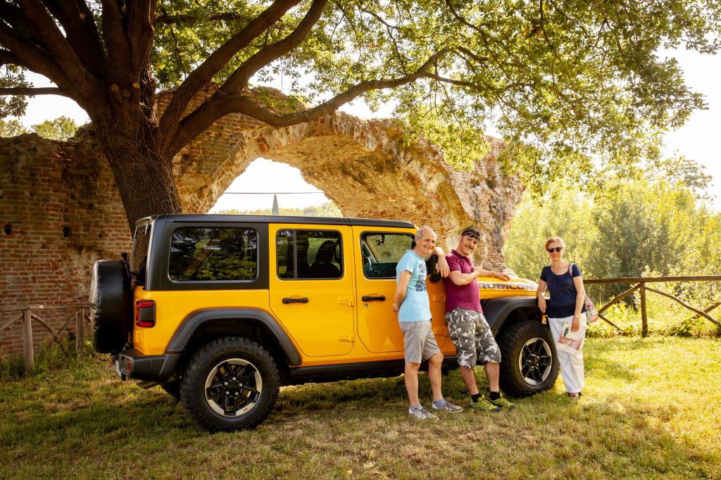 2019 Jeep Wrangler Rubicon at the Uso river (Crossing the Rubicone)