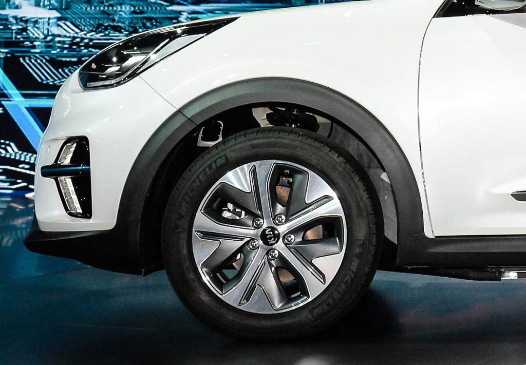 2019 Kia Niro EV debuts with 210 horsepower, 280 miles of range