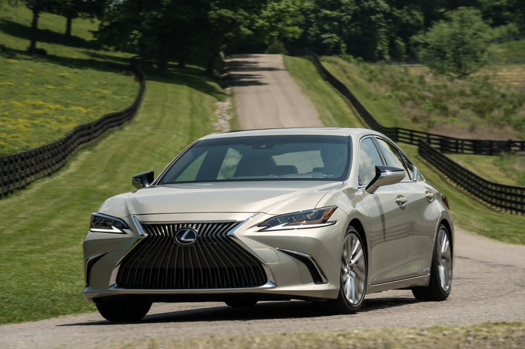 An all-wheel drive Lexus ES Hybrid could be on the way