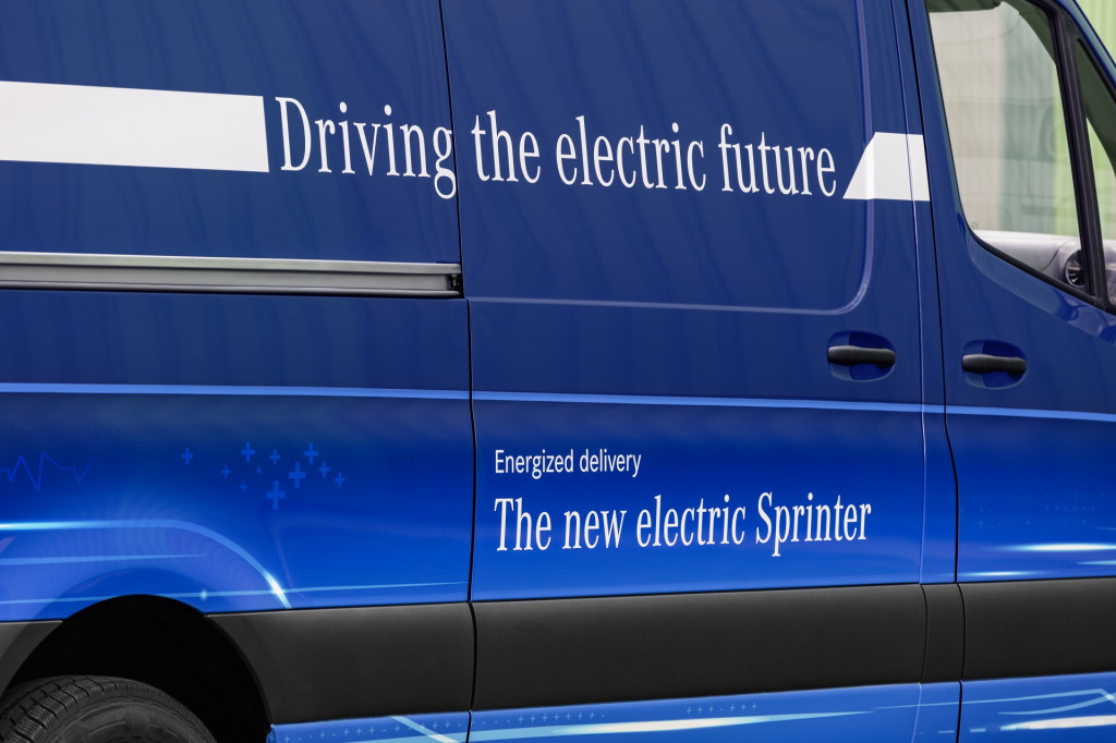 2019 Mercedes-Benz Sprinter revealed