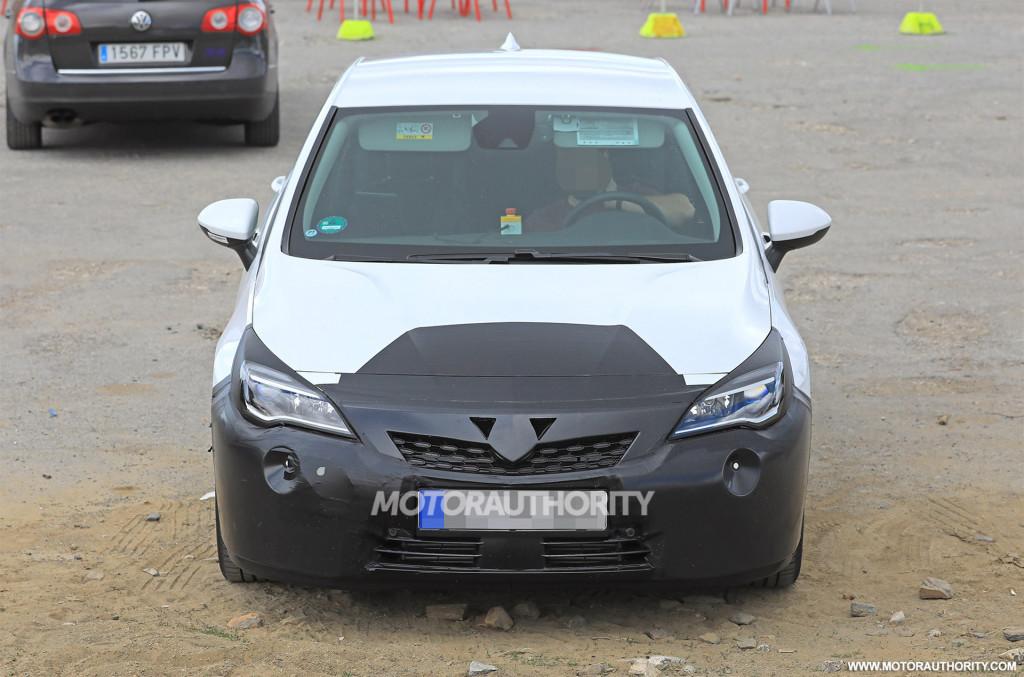 2019 Opel Astra spy shots