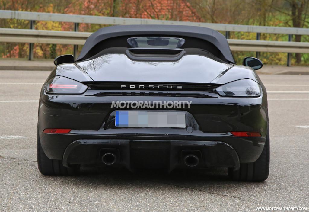 2019 Porsche 718 Boxster Spyder spy shots