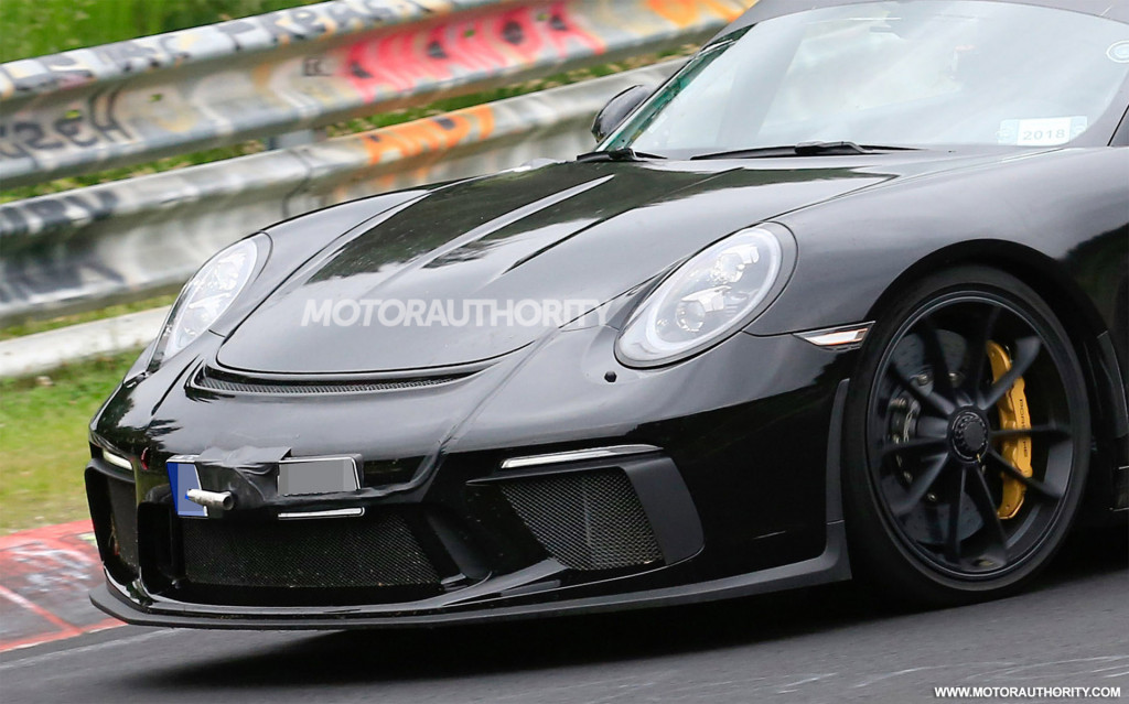 2019 Porsche 911 Speedster spy shots and video