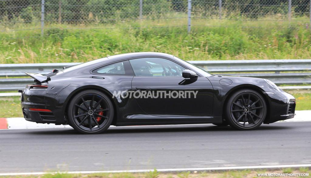 2019 Porsche 911 spy shots and video