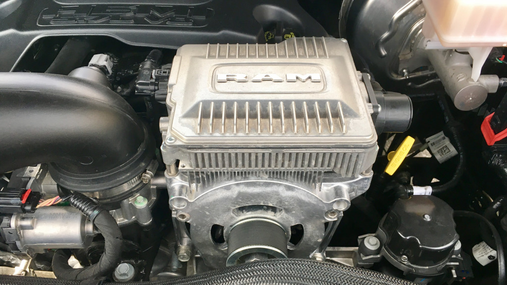 Hybrid Or Not 2019 Ram 1500 Etorque Does Some Smart Things With 48v Tech