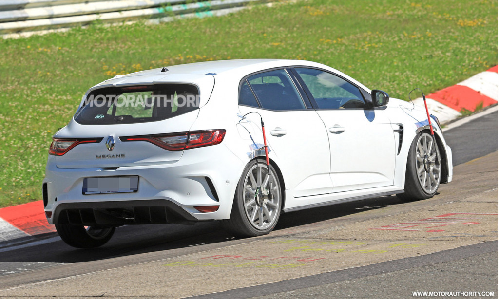 2019 Renault Mégane RS Trophy spy shots