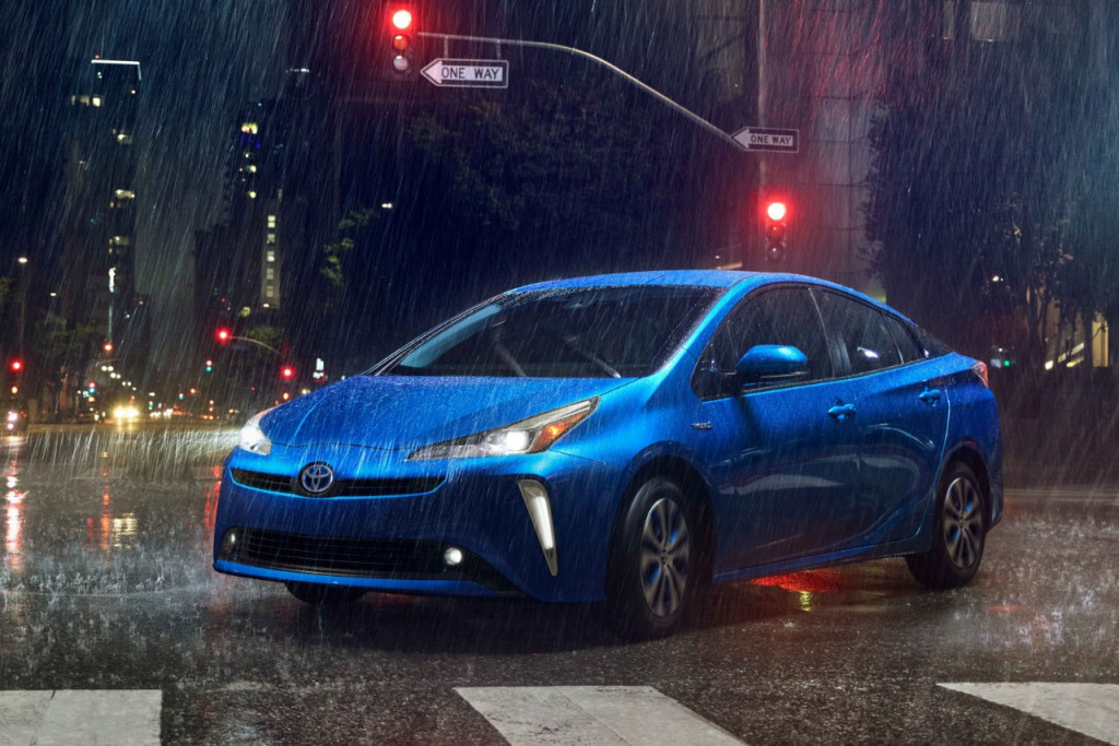 All-wheel-drive 2019 Toyota Prius to cost $1,400 more than front-drive model