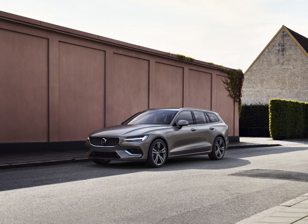 New 2019 Volvo V60 first look: Volvo hitches its wagon to its own rising star