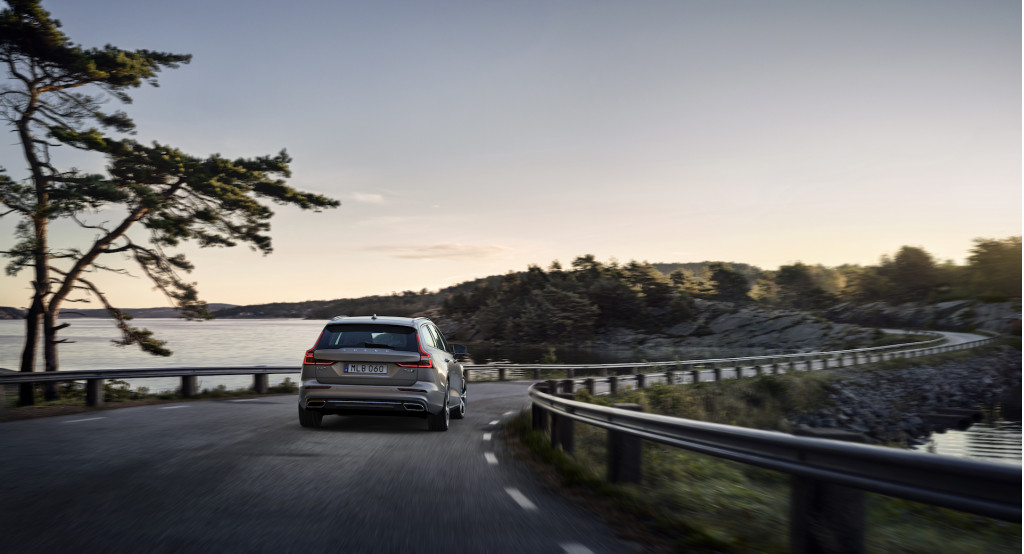 2019 Volvo V60 first drive review: a matter of inches