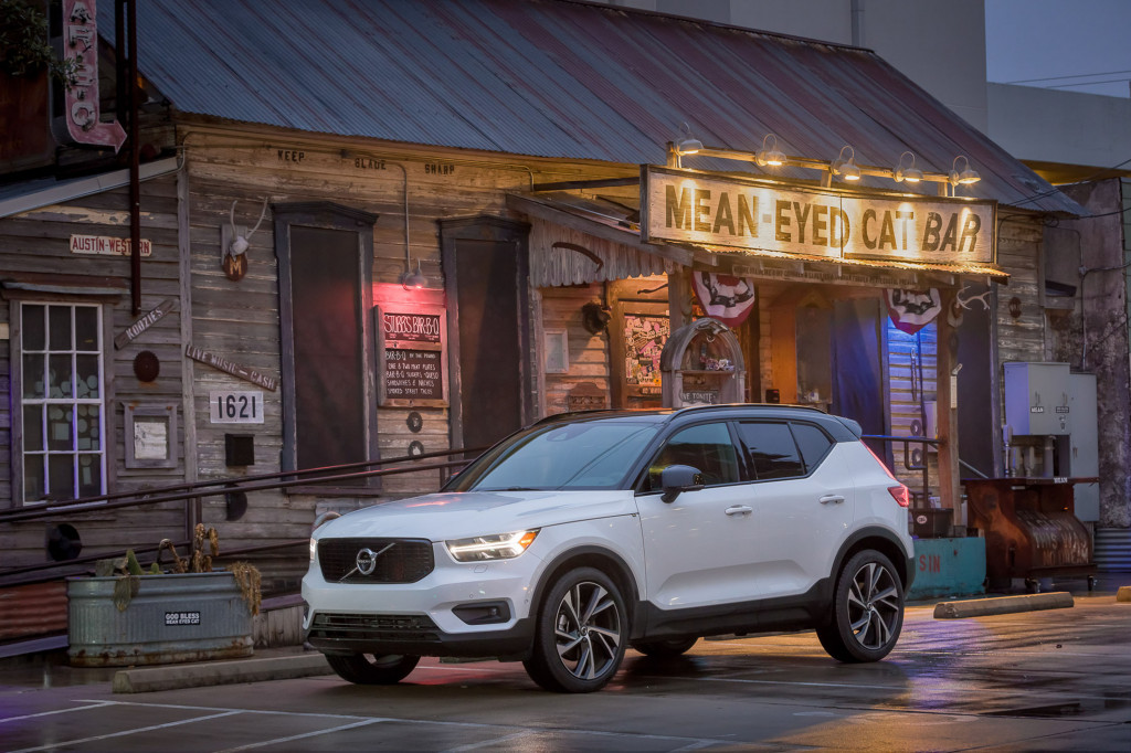 2019 Volvo XC40 rated at 26 mpg, tops among pint-size luxury crossover SUVs