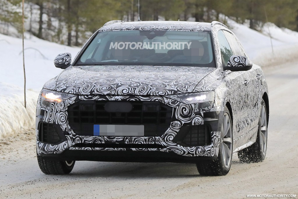 2020 Audi Q8 spy shots and video
