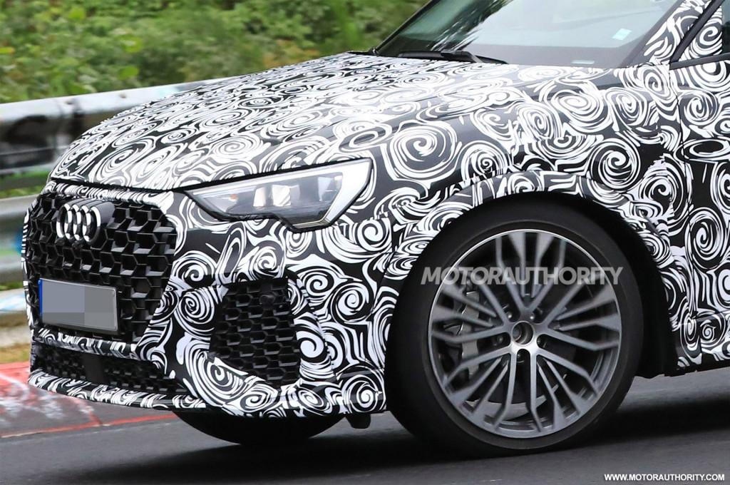 2020 Audi RS Q3 spy shots and video