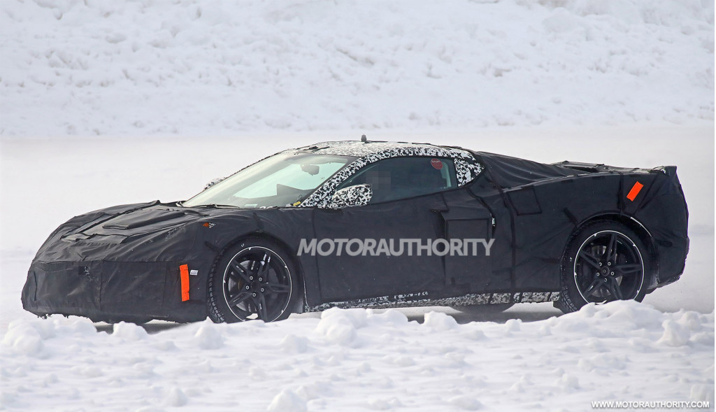 2020 Chevrolet Corvette (C8) spy shots and video
