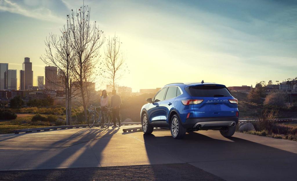 2020 Ford Escape Hybrid mpg tops 40 mpg, meets or beats Toyota RAV4 Hybrid
