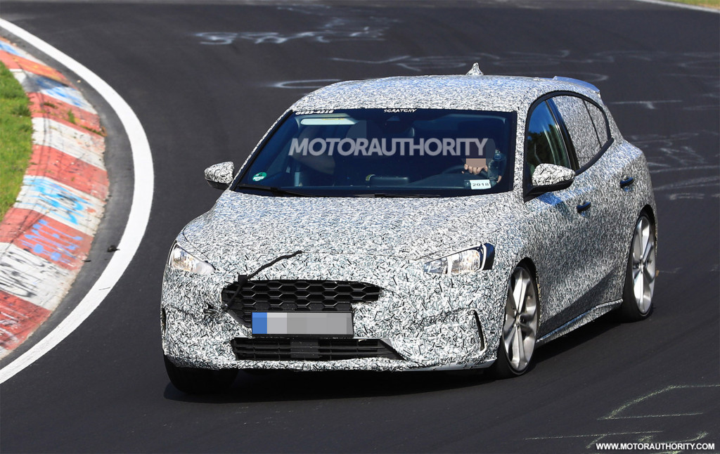 2020 Ford Focus ST spy shots