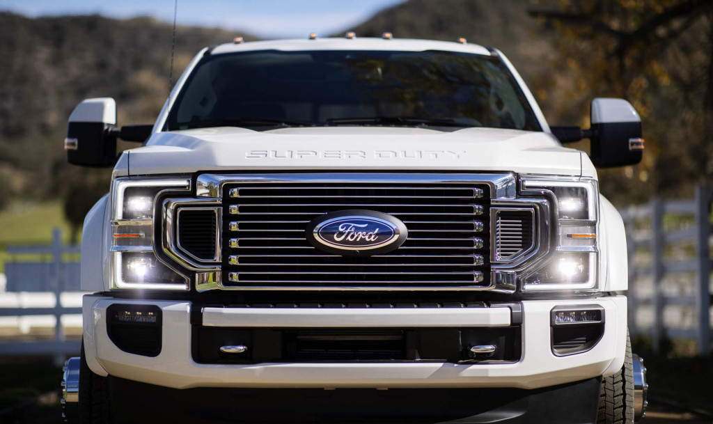 ford   super duty revealed  power  gears  tech