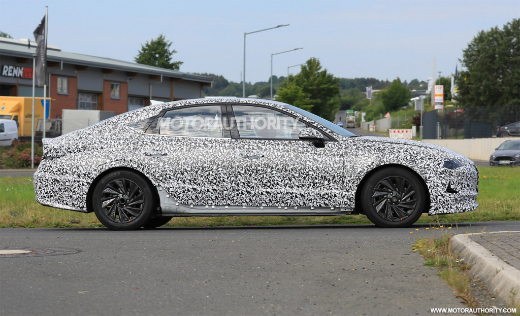 2020 Hyundai Sonata spy shots and video