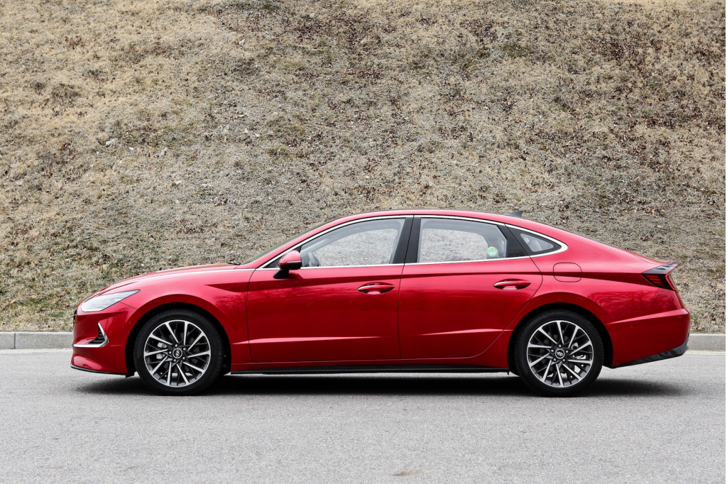 Hyundai debuts engine improvements for top 2020 Sonata sedans