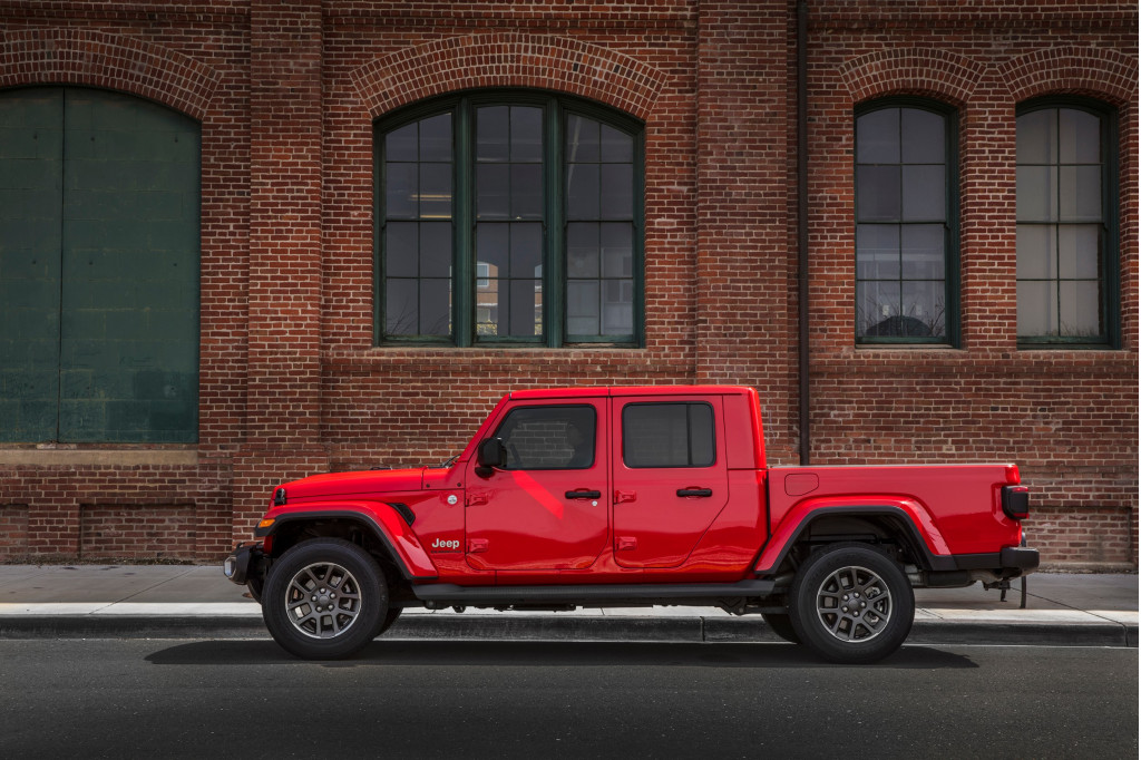 First drive review: 2020 Jeep Gladiator is armored for battle