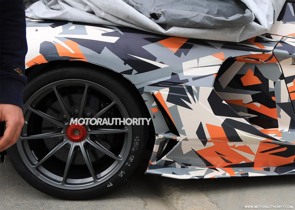 2020 Lamborghini Aventador SVJ spy shots and video