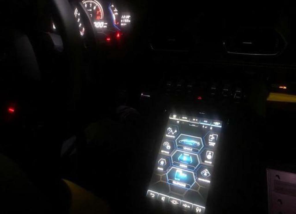 2020 Lamborghini Huracan Spyder Spy Shots