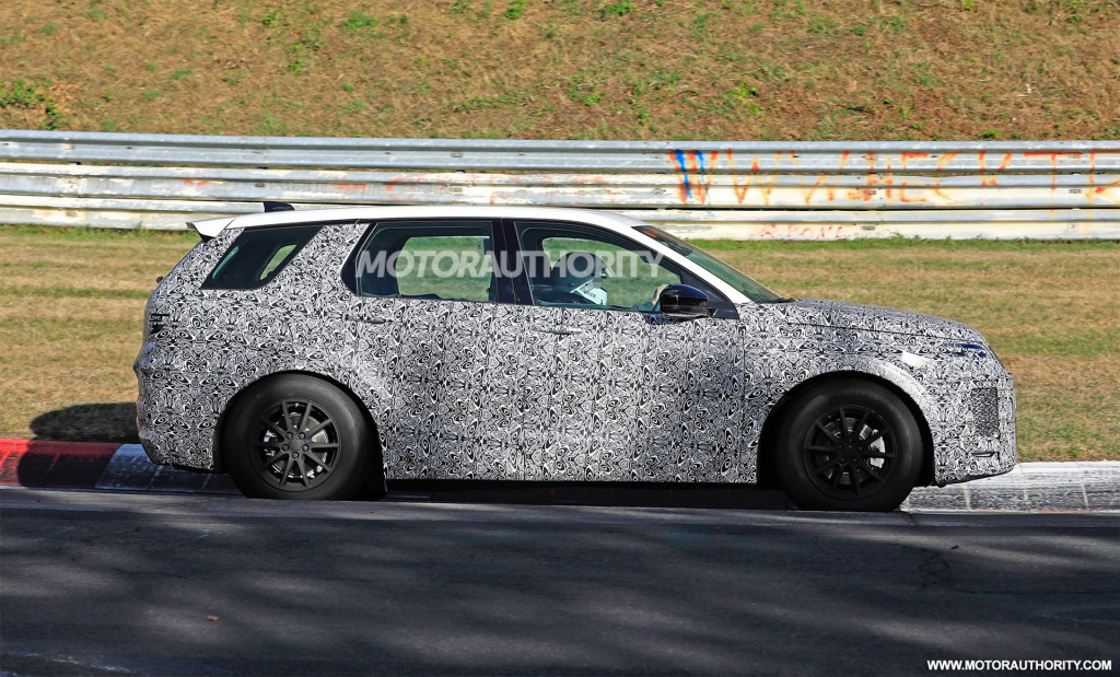 2020 Land Rover Discovery Sport spy shots