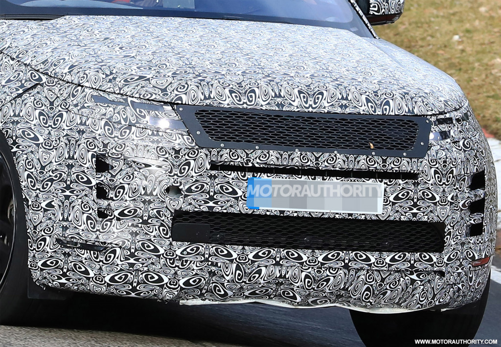 2020 Land Rover Range Rover Evoque spy shots and video