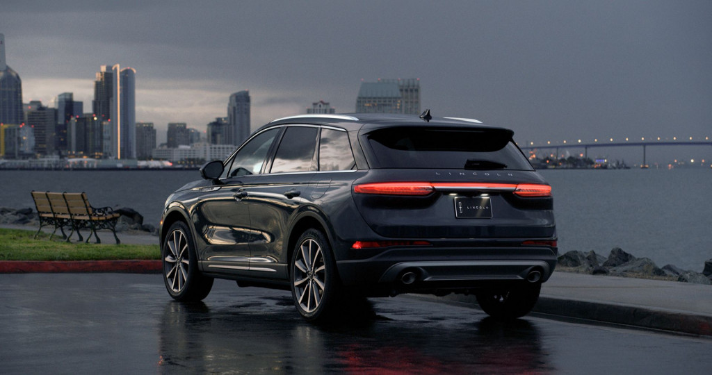 2020 Lincoln Corsair New Generation, Release Date, Redesign, Price >> 2020 Lincoln Corsair Debuts In New York As The Mkc Replacement