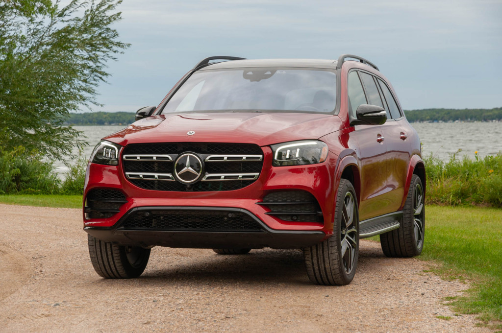 Illuminated Mercedes-Benz logo triggers recall of 2020 GLE and GLS SUVs